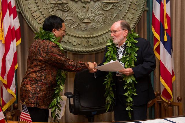 bali-hawaii-sister-state-signing_gov-cg